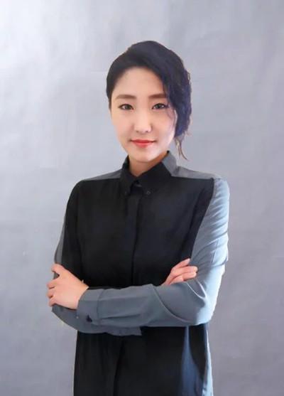 曼雅娜★化妆老师童童