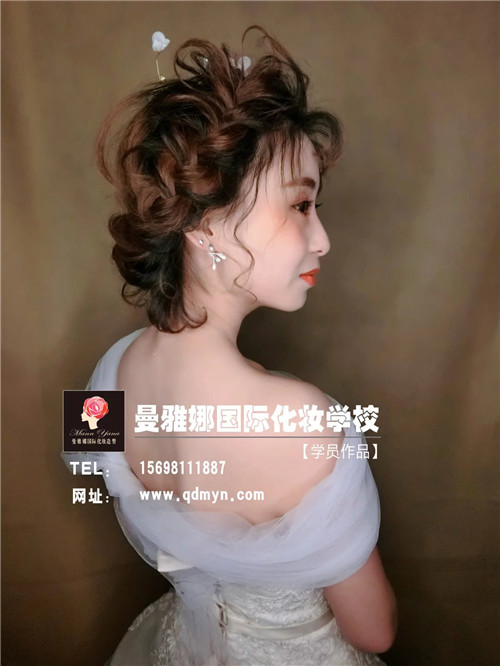 化妆培训课堂 短发森式影楼新娘造型 学员考核