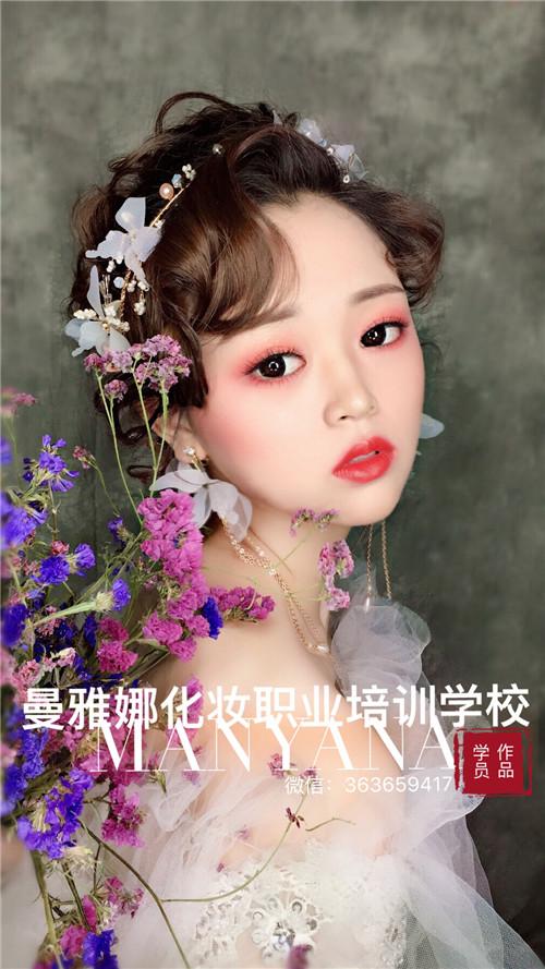 青岛新娘跟妆培训学校-日式造型