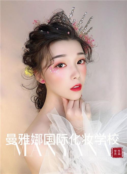 青岛美妆培训,曼雅娜学员影楼化妆作品